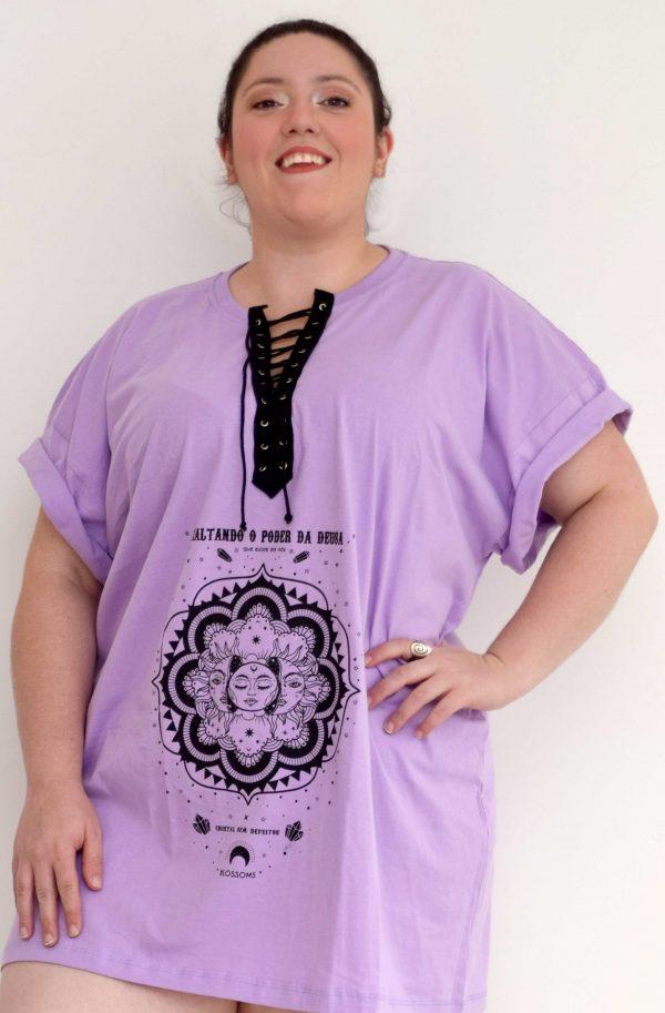 camisetao-poder-deusa-blossoms-plus-size-