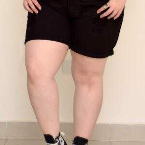 shorts-jeans-destroyed-preto-blossoms-plus-size-