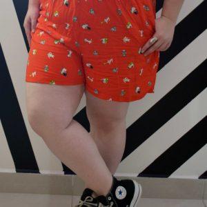 shorts-viscose-gatinho-vermelho-blossoms-plus-size-